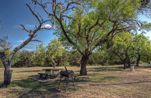 RV-sites-on-the-frio-1