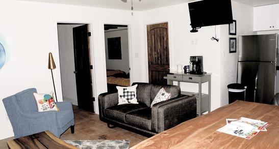 frio-river-cabins-37_edited.jpg