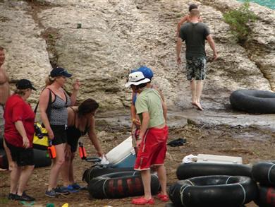 frio-river-tubing-12