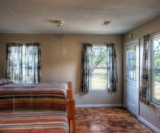 Cabins-Near-Garner-State-Park-17