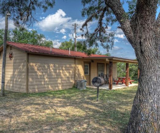 Cabins-Near-Garner-State-Park-13