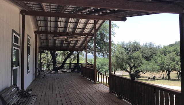Rental-House-on-the-Frio-1