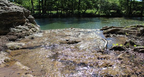 frio-river-cabins.mov