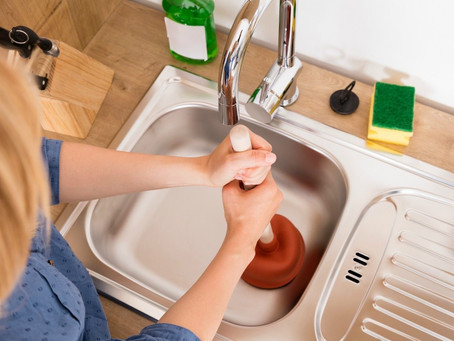 5 DIY Methods to Unclog Your Kitchen Sink