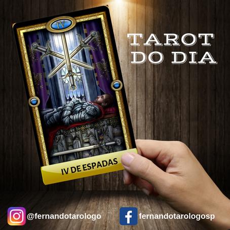 TAROT DO DIA 04/09/2019 - IV DE ESPADAS