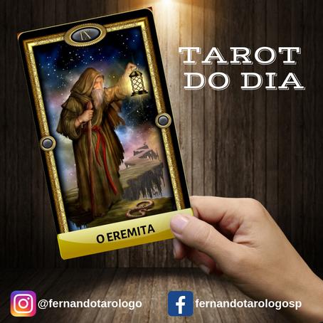 TAROT DO DIA 11/09/2019 - O EREMITA