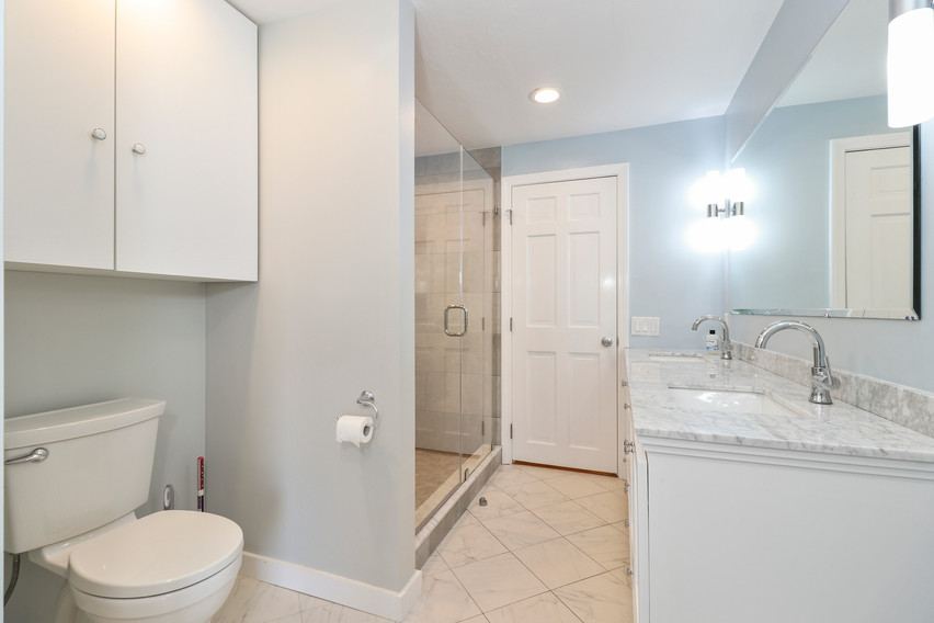 020-photo-bathroom-8651278.jpg