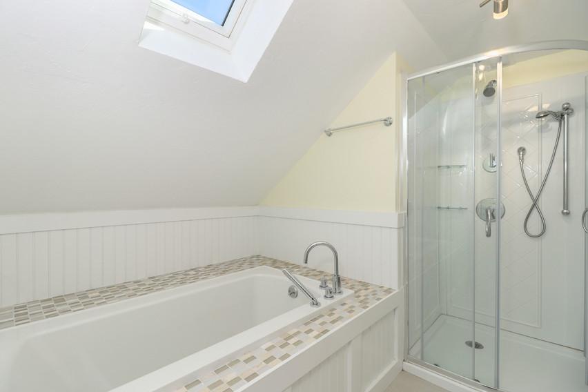 029-photo-bathroom-8651288.jpg