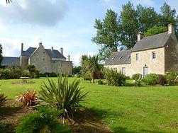 Le manoir privatisé pour un groupe maximum de 15ou 22pers (avec le cottage). Nous pouvons accueillir de petit séminaire.