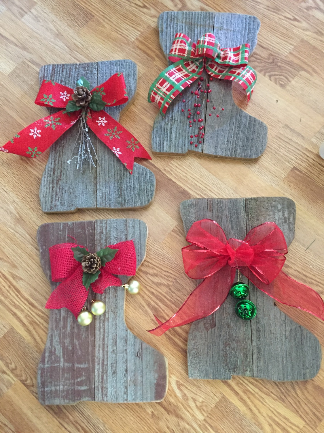 Barn Wood Stockings for the Holidays