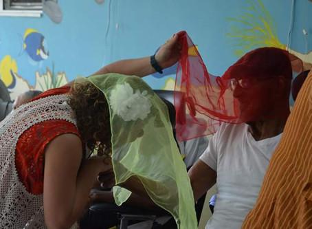 Een armee van clowns naar St Maarten