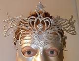 Zilvermasker, De Boel op Stelten.jpg