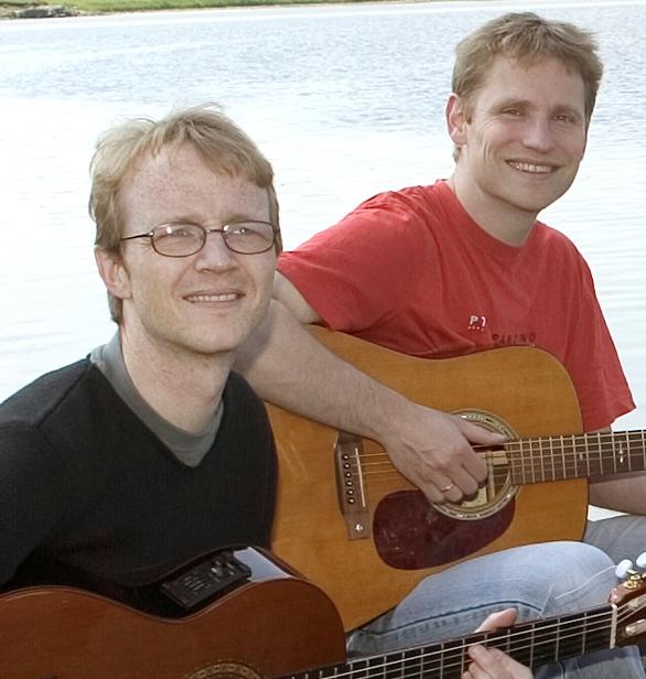 Granum og Ole 01 ved strand