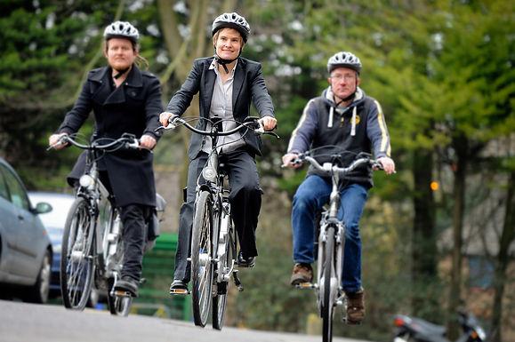 Smart e-bike riders