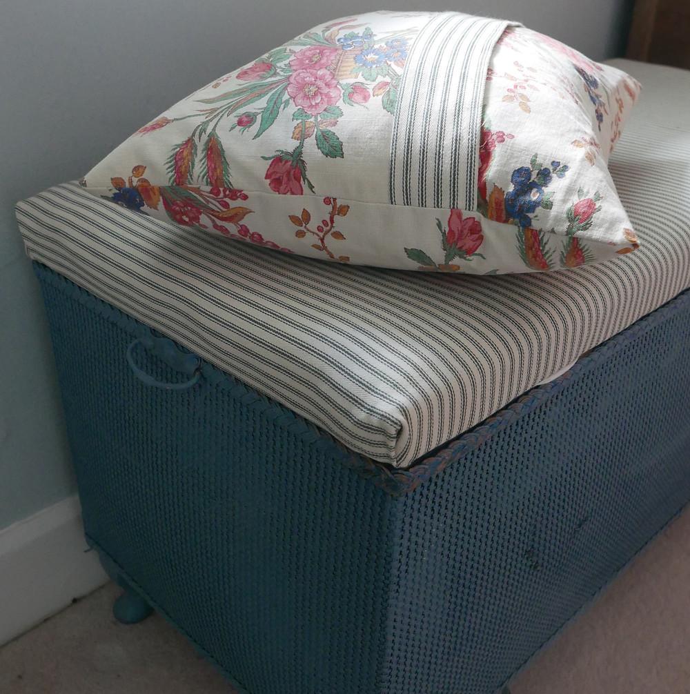 cushion Astrid Blake design