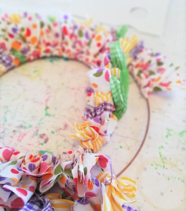 How to make a fabric wreath Astrid Blake
