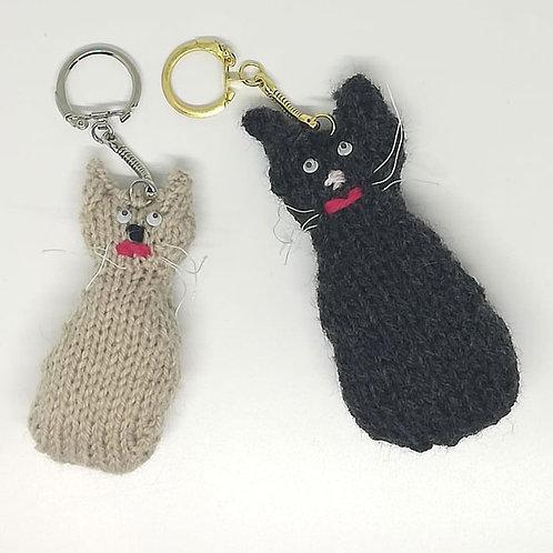 Chats porte-clés au tricot