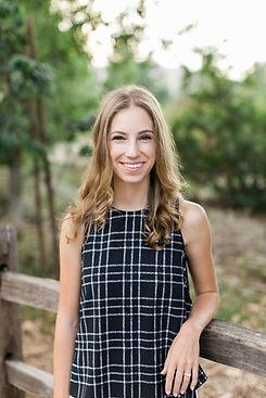LaurenAhlquist_Headshot.jpg