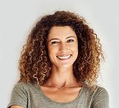 Mujer joven feliz
