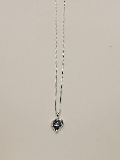 Dark grey/blue freshwater pearl