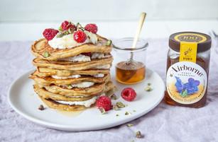 thick-banana-honey-ricotta-pancakes-min.