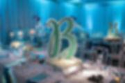 custom-centerpiece-decor-luxury-bar-bat-