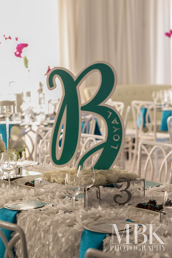 teal-centerpiece-luxury-bar-bat-mitzvah-