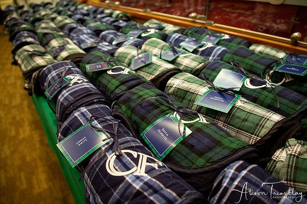 favor-blanket-fleece-monogram-embroider-