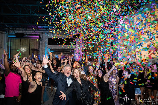 confetti-cannon-bat-mitzvah-photogroup