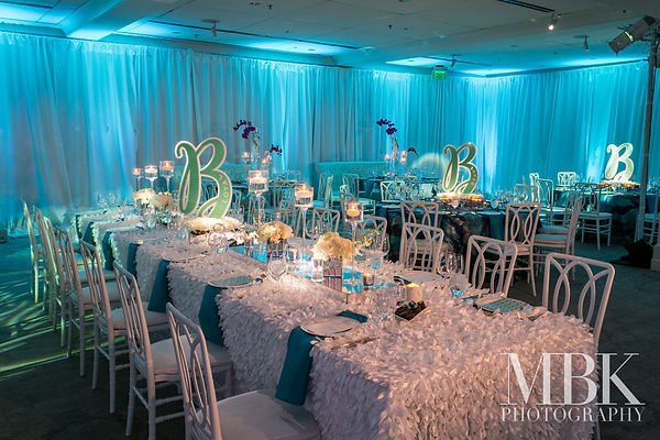 event-decor-table-centerpiece-luxury-bar