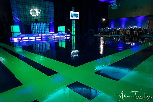 custom-dance-floor-striped-dj-booth-plai
