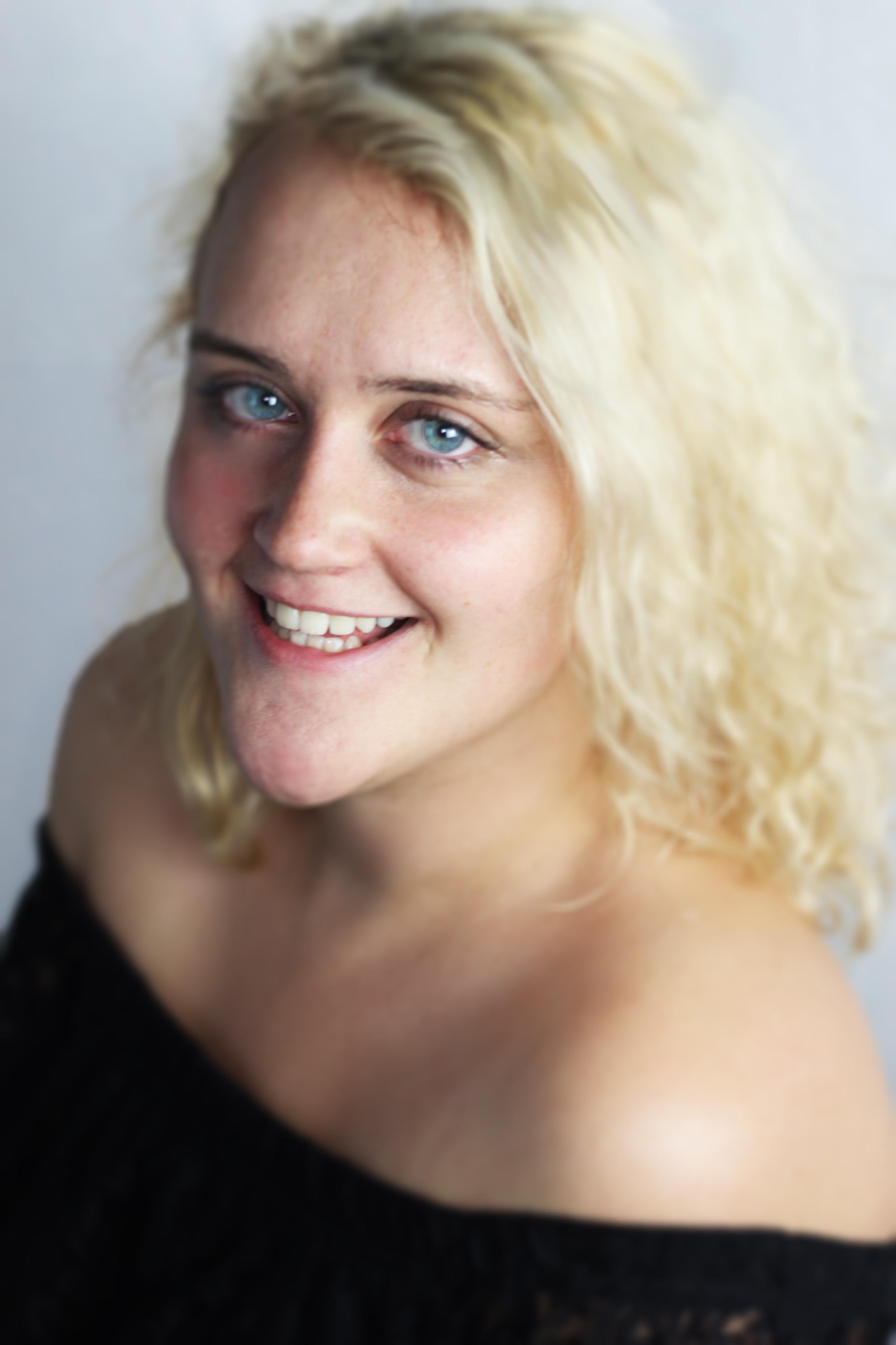 Hannah Roncone (Colour)