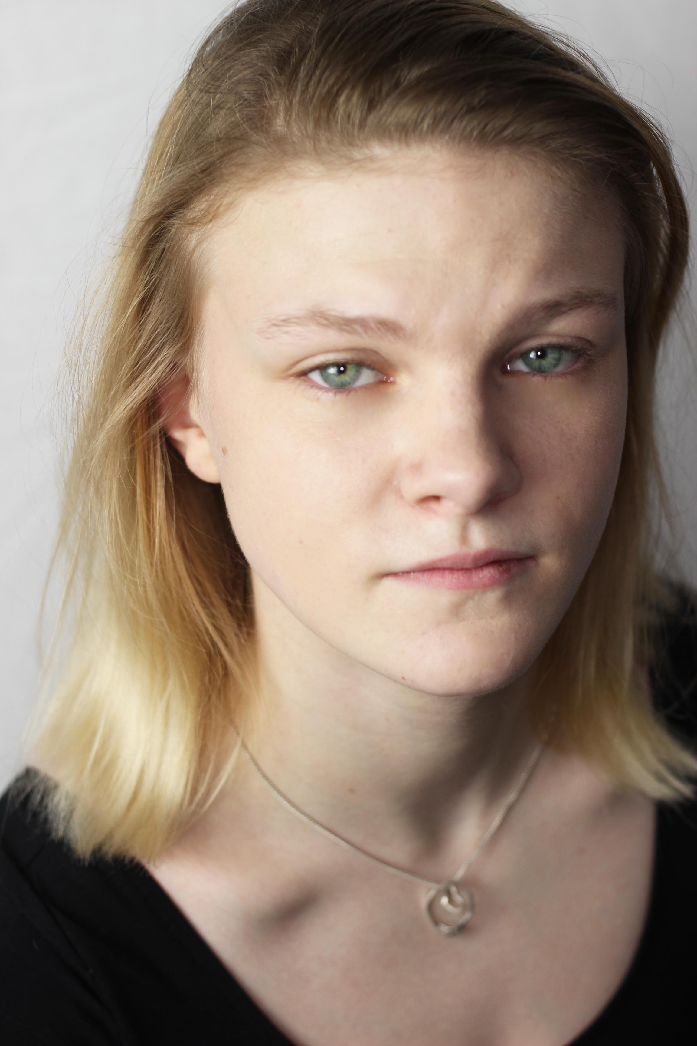 Lucie Francis (Colour)