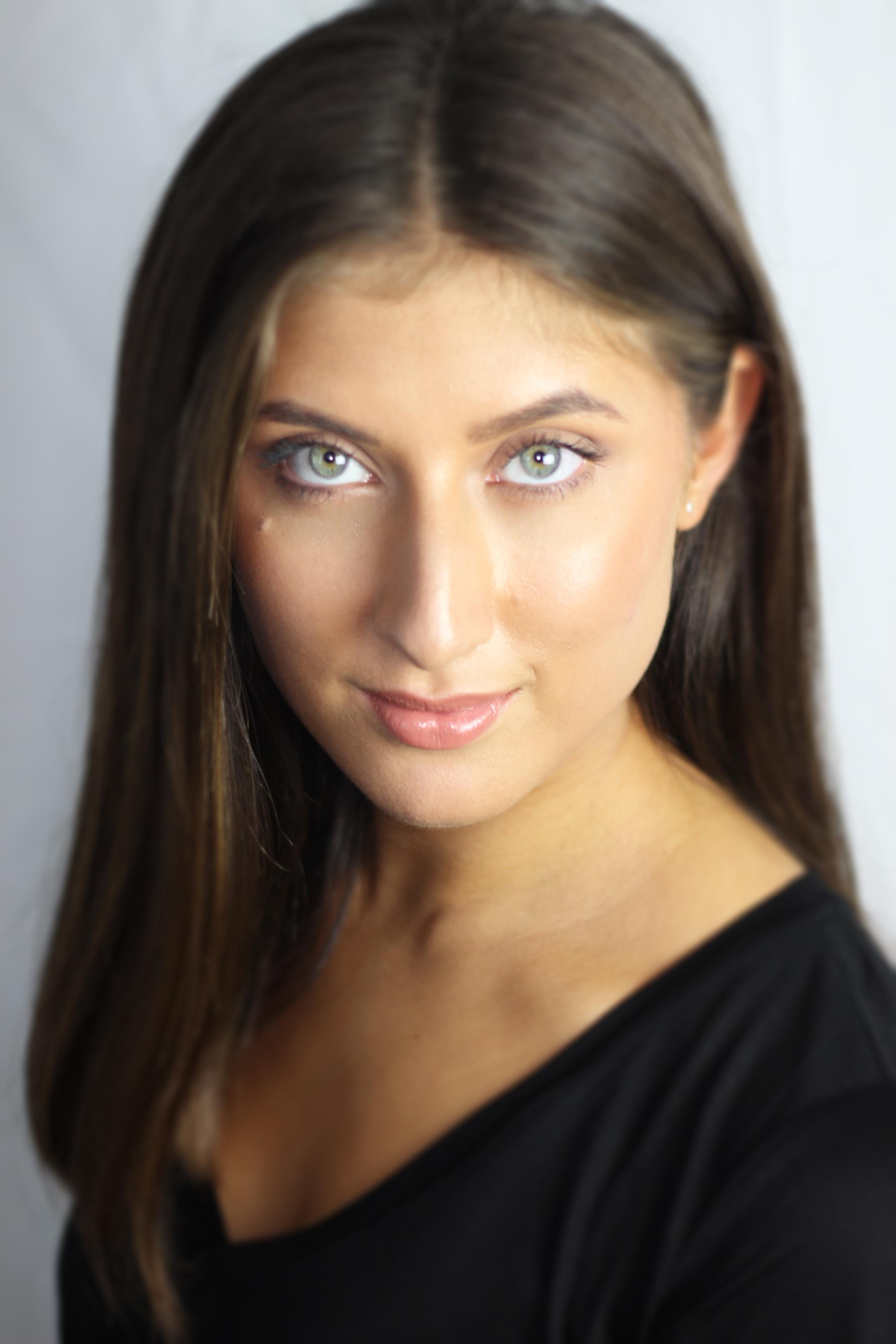 Mia Longman (Colour)
