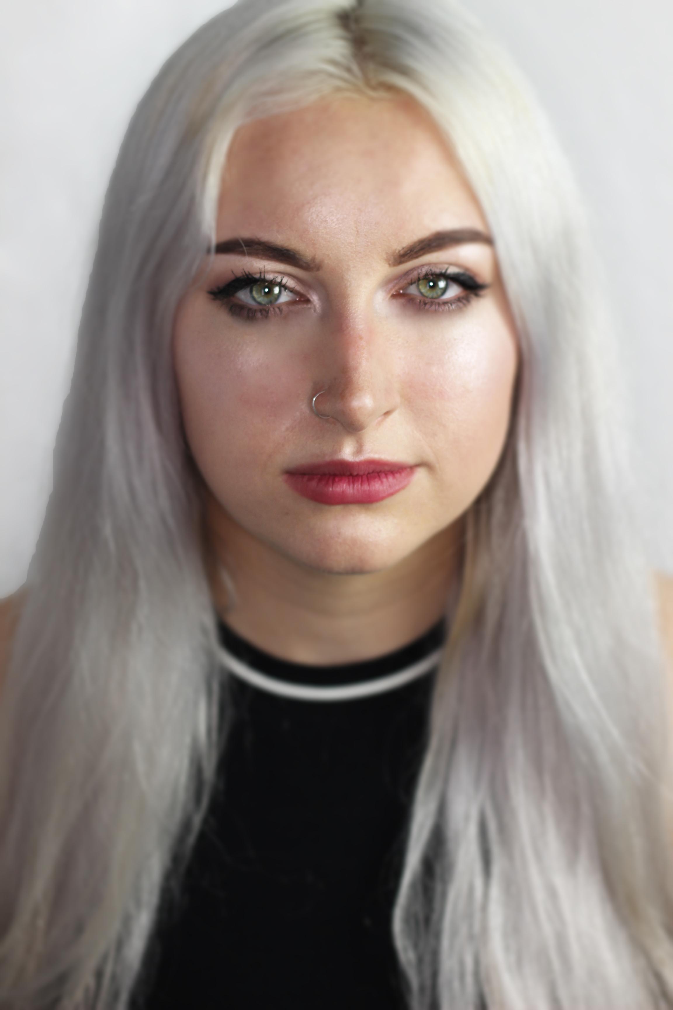 Chloe Heath (Colour)