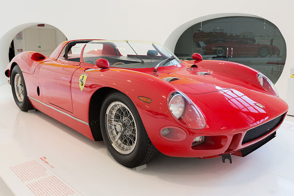 800px-Ferrari_330P_front-right_Enzo_Ferr