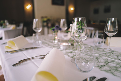 Weinstube Meinhard - Gedeckter Tisch