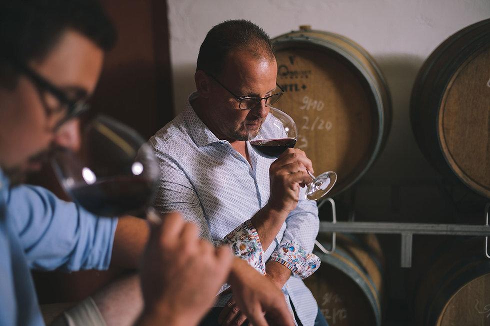 Matthias Schabler und Steffen Meinhard bei der Weinprobe