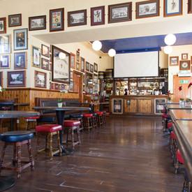Black Bull Dalkeith, Lounge