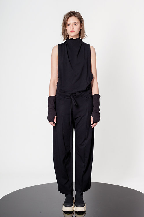 Sleevless jersey jumpsuit