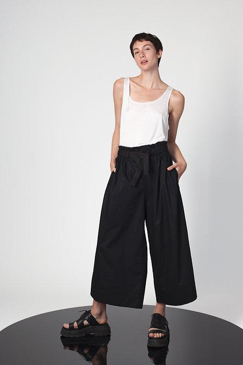 Box shape pants with elastic waistband