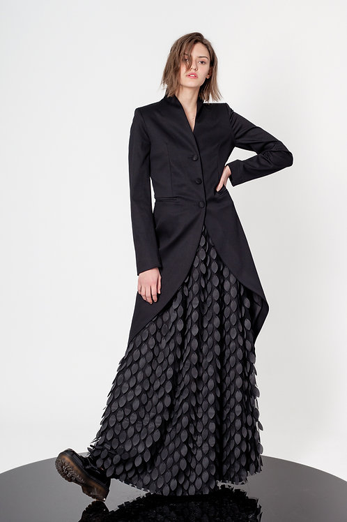 Fitted swan neck tailcoat