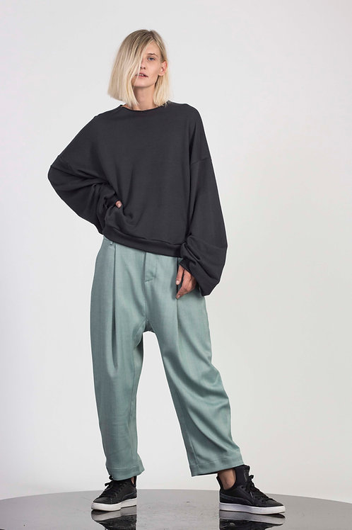 Loose sweater with oversize sleeves