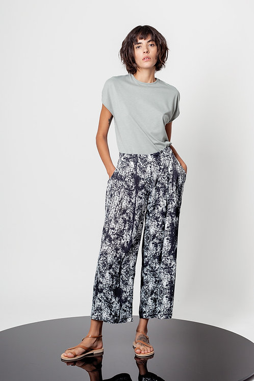 Abstract print pleated trousers