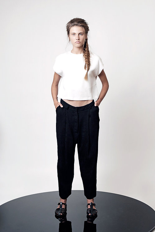 Pleated low crotch pants