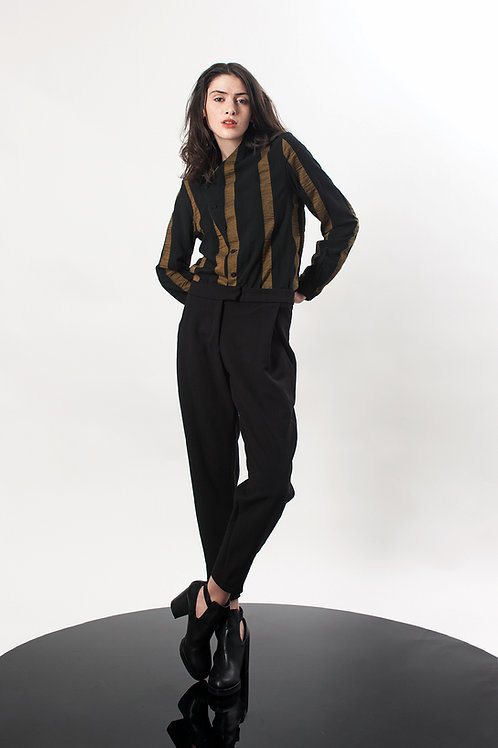 Pleated ankle high pants
