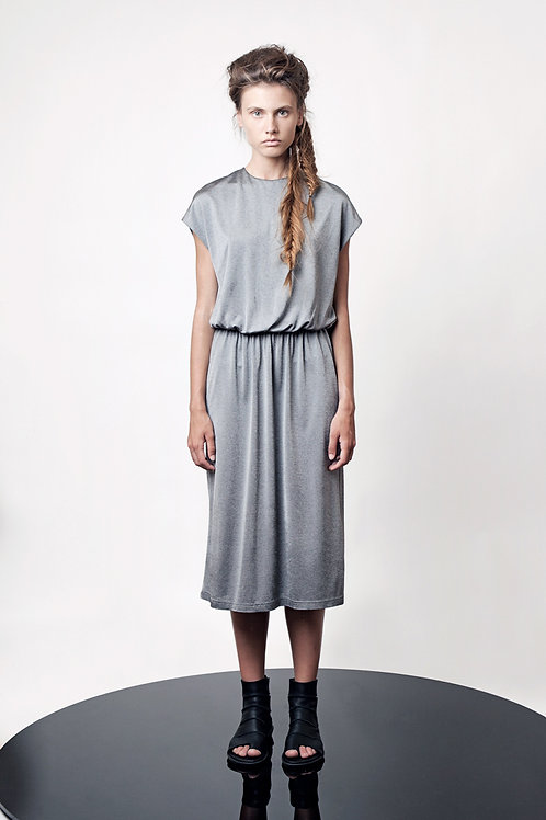 Drop shoulder midi dress with elastic waistband