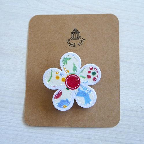 EB Spring Floral Daisy Pin Brooch