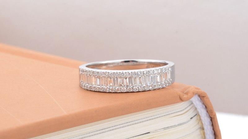 Diamond Halo Engagement 18k White Gold 0.48CTTW Natural Diamond Ring/Women