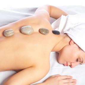 tratamentos_relaxantes_massagem_com_pedr